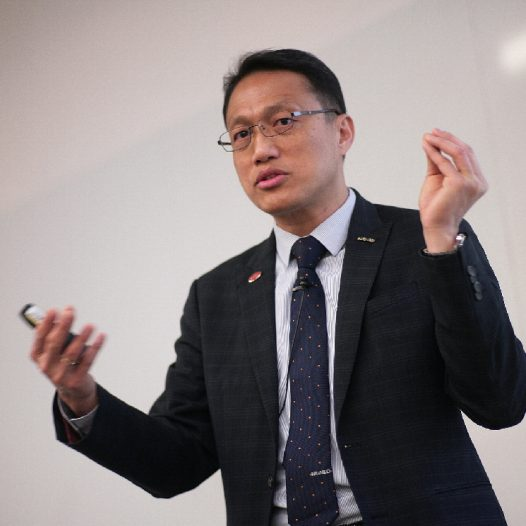 "(SH) Dr. Lawrence Wong will conduct a class of ""Omni Channel Strategy"" for HKU ICB."